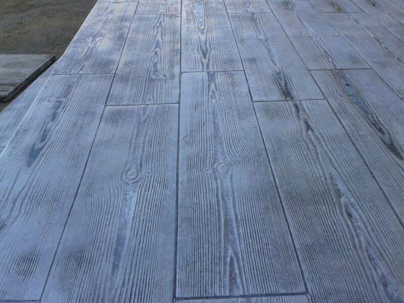 ¿Por qué elegir hormigón impreso para su terrazza en lugar de madera?