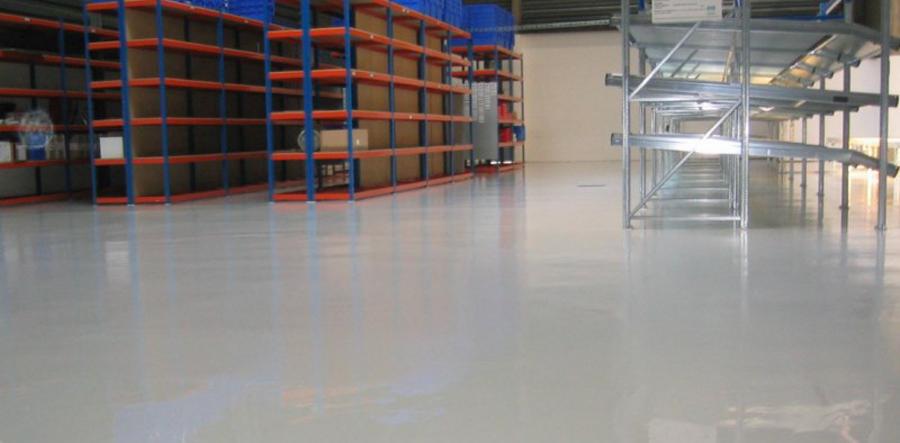 pavimento resina industrial