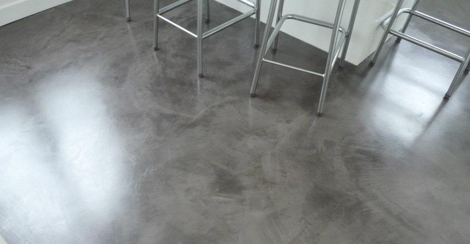 ¿Qué es el microcemento alisado para suelos?